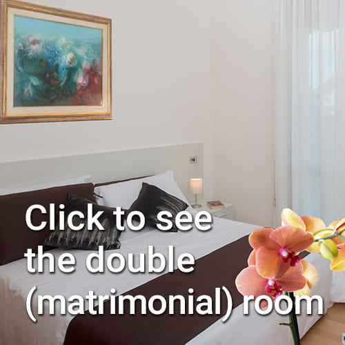 See the double (matrimonial) room